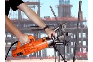 Sử dụng máy uốn sắt thủy lực cầm tay